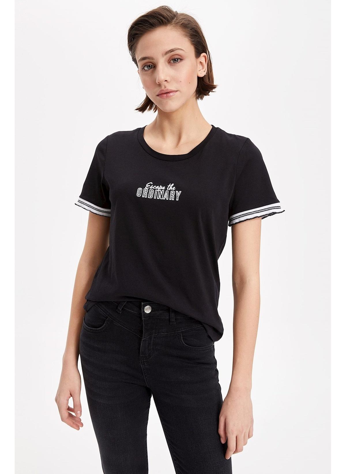 Defacto Tişört L0613az19spbk27t-shirt – 29.99 TL